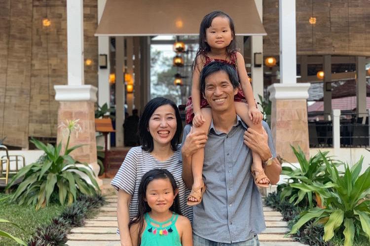 子どもの教育とキャリアの両立する場所、カンボジア・キリロム高原に家族で移住(別宮健三郎さん、定松真理子さん/ライフシフト年齢(41歳、38歳)